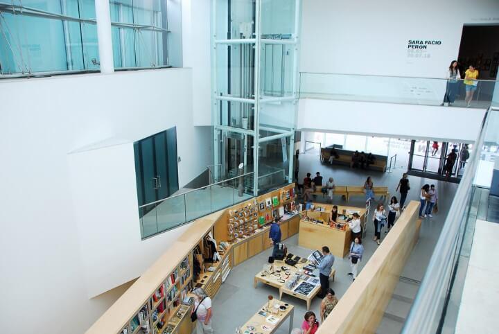 Interior del Museo de Arte LatinoAmericano de Buenos Aires MALBA