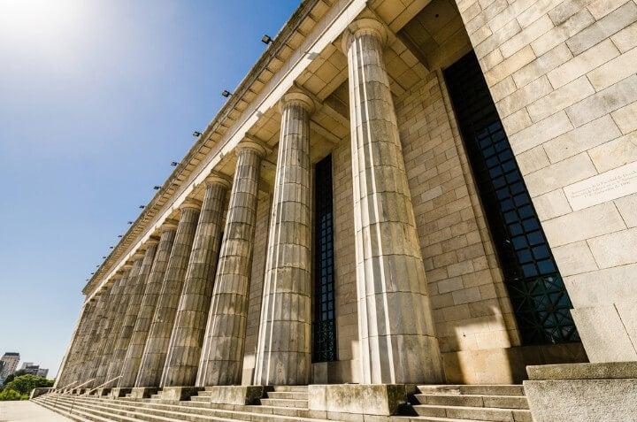 Facultad de Derecho de la Universidad de Buenos Aires, famosa por su columnata