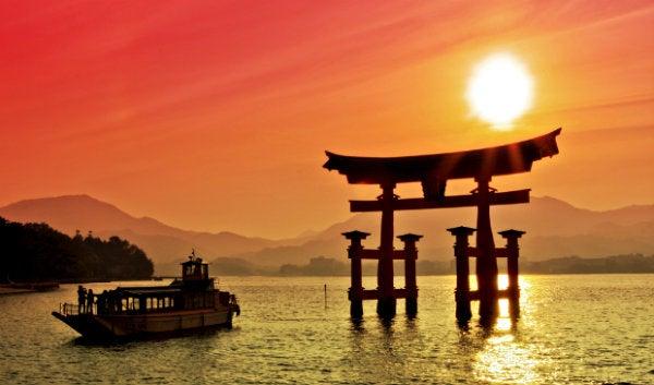 puesta de sol en japón