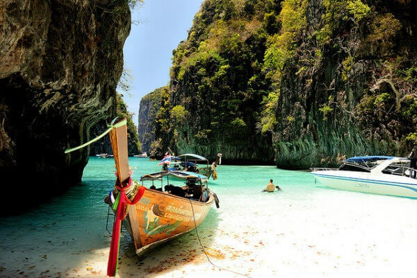 spiaggia phuket in tailandia