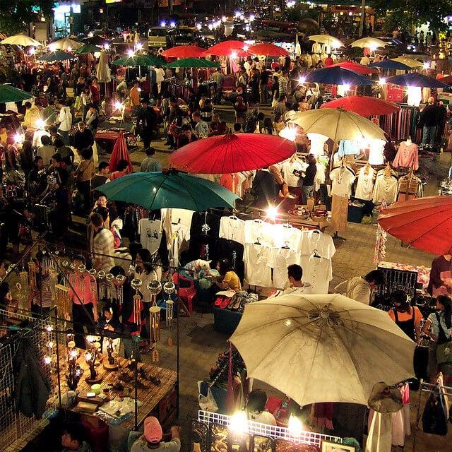 mercado de noche en chiang mai