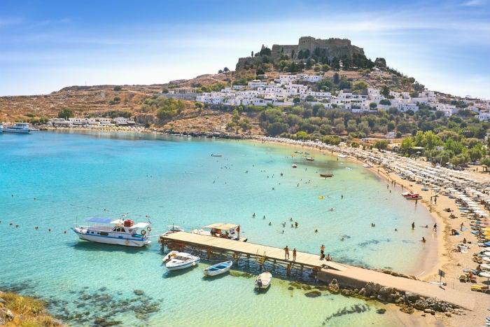 playa de rodas en las islas griegas