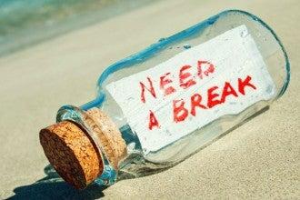 botella con mensaje en la playa