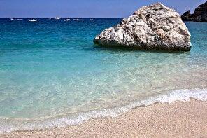 Las mejores playas y otras 10 cosas que hacer en Cerdeña