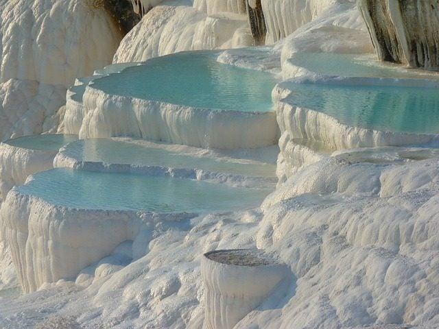 Las 20 piscinas naturales más originales del mundo. Pmaukkale Turquia