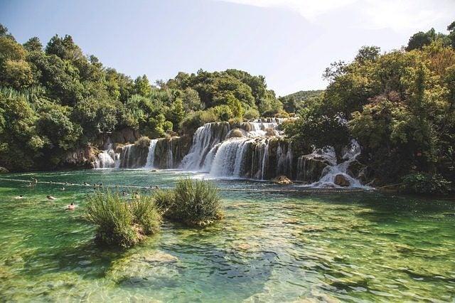 Las 20 piscinas naturales más originales del mundo. Krka Croacia