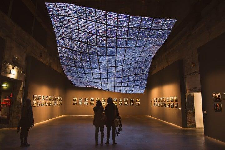 Exposición de arte moderno en la Biennale de Venecia
