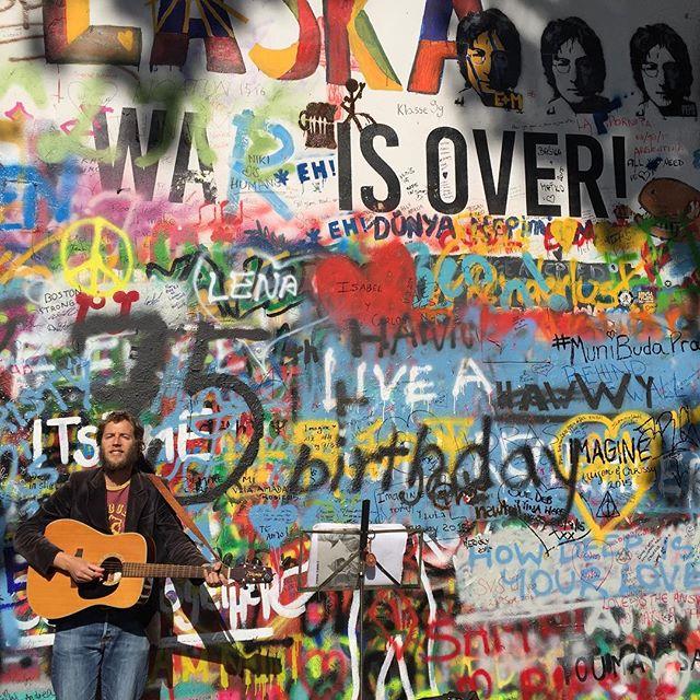 muro john lennon cosa vedere a praga edreams blog di viaggi