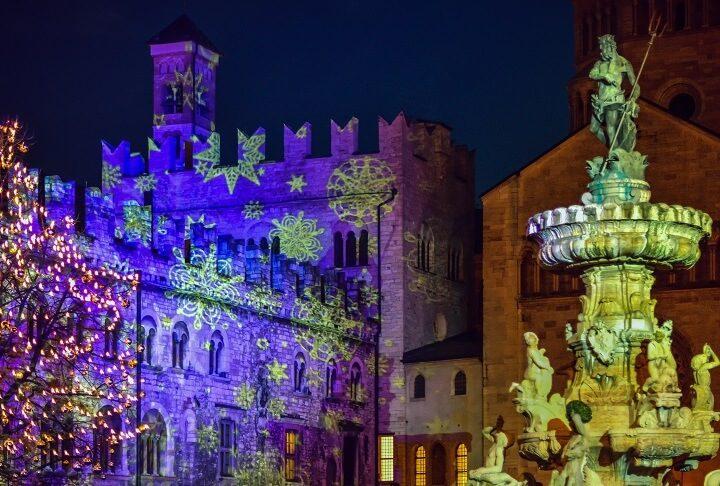 Mercado navideño en Trento, Italia