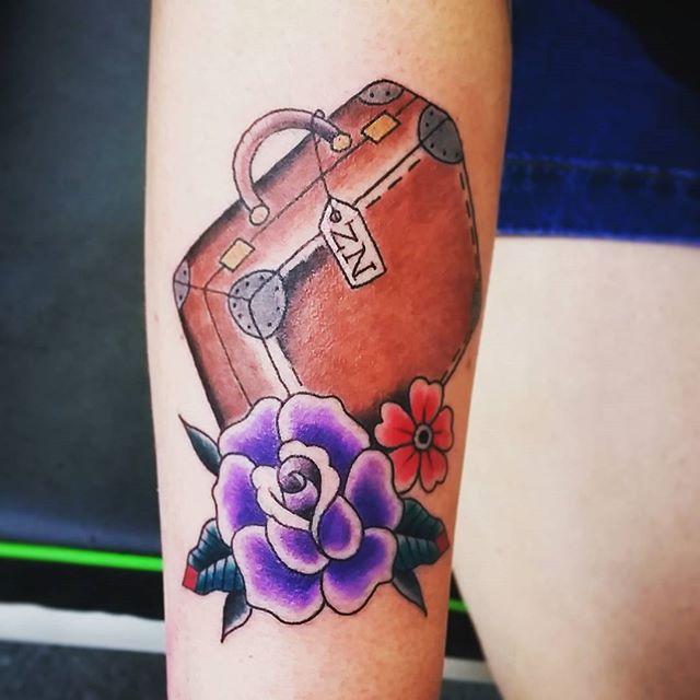 tatuajes de viaje - maleta