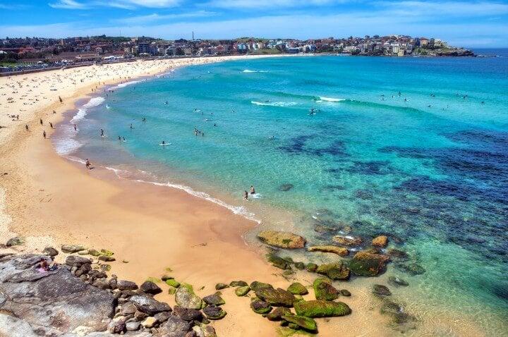 Playa de Bondi Beach, una de las más famosas de Sídney