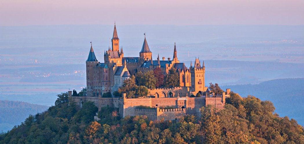 castle-973157_1050x500