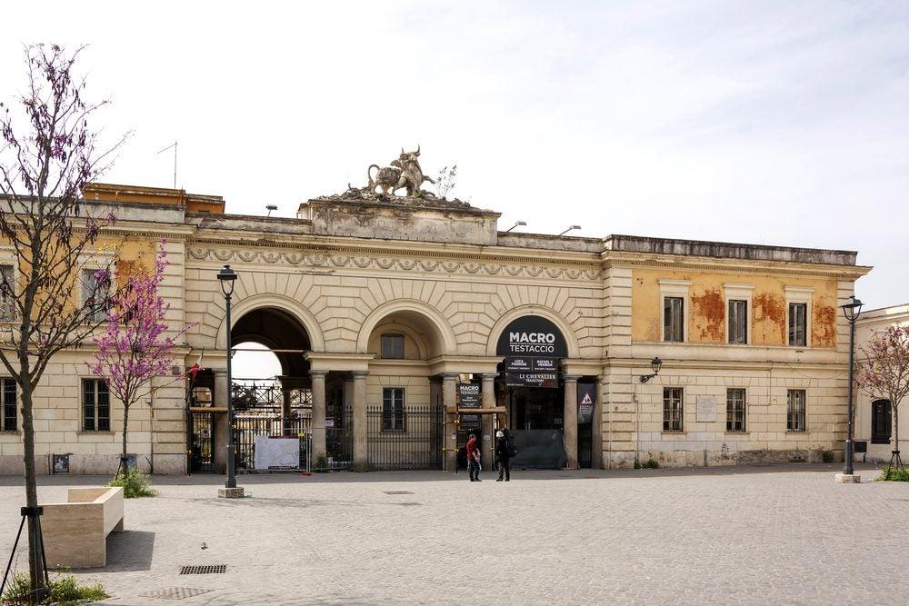Fachada principal del Museo de Arte Contemporáneo de Roma