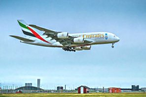 equipaje con emirates
