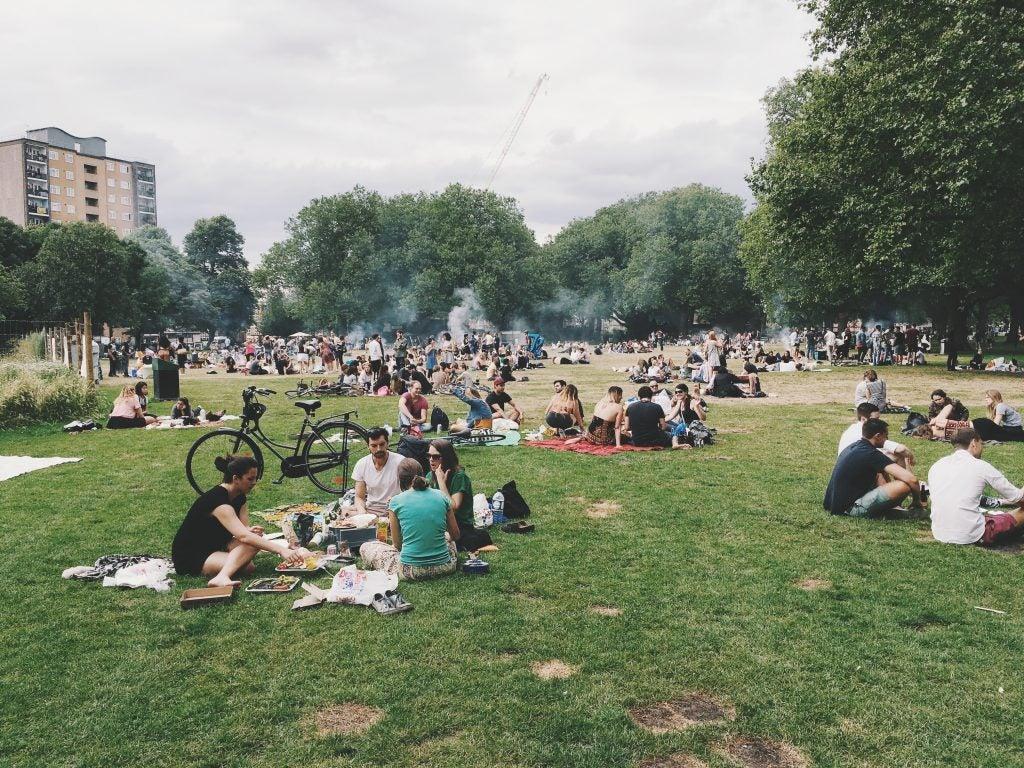 Picnic en un parque de Londres