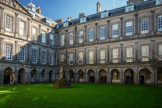 14 razones para viajar a Edimburgo. Palacio de Holyrood