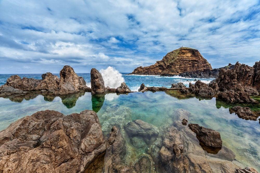 Las piscinas naturales m s impresionantes del mundo for Piscinas naturales en portugal