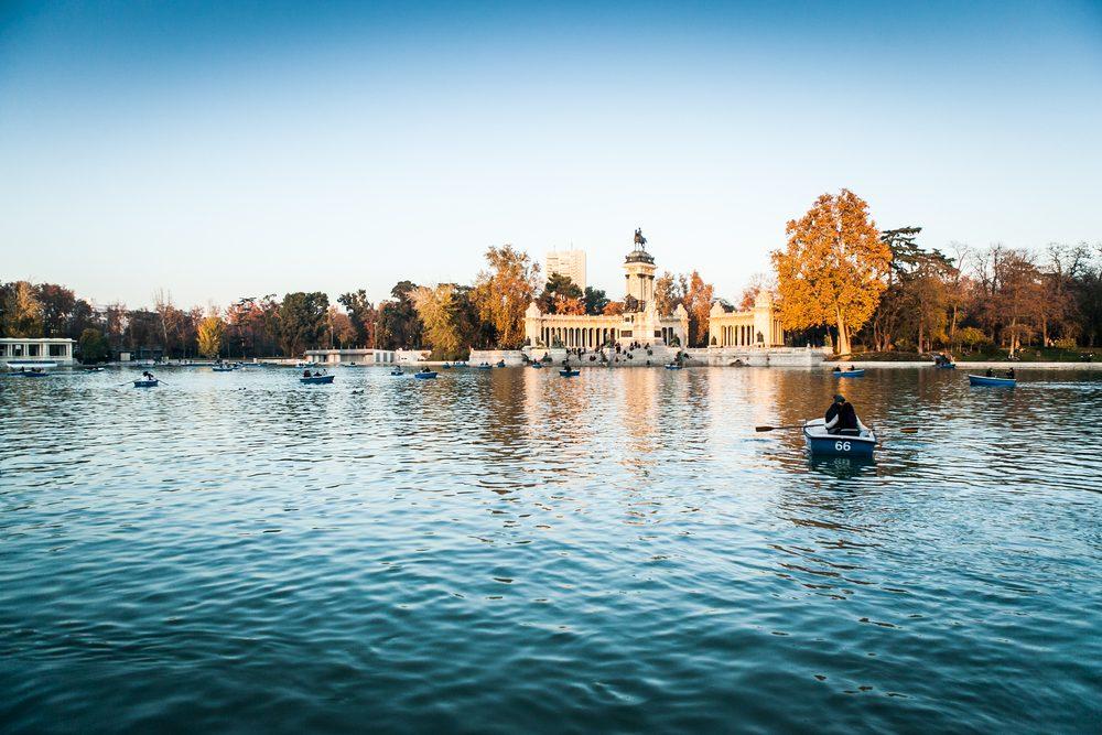 El retiro en barca, Madrid