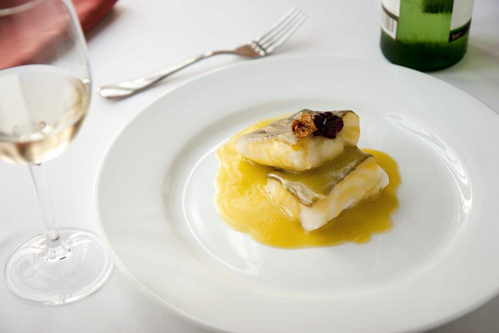 Bacalao al pil pil , cocina típica española