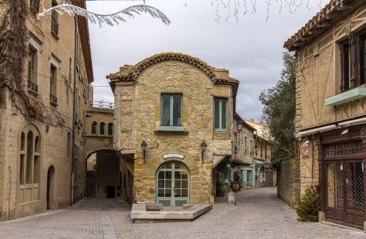 Calles de La Cité en Carcasona, dentro de las murallas