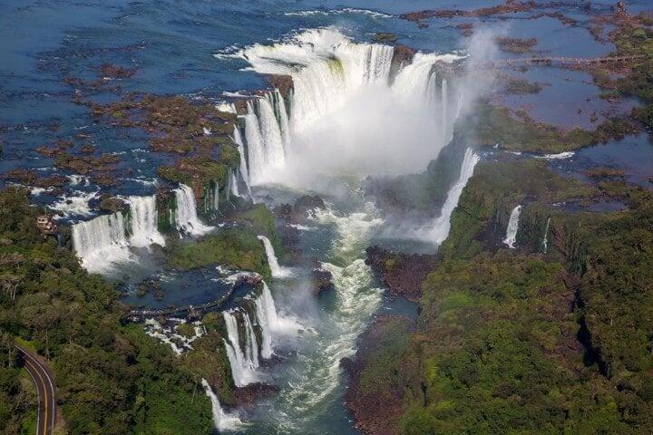 Vista aérea de la Garganta del Diablo en Iguazú