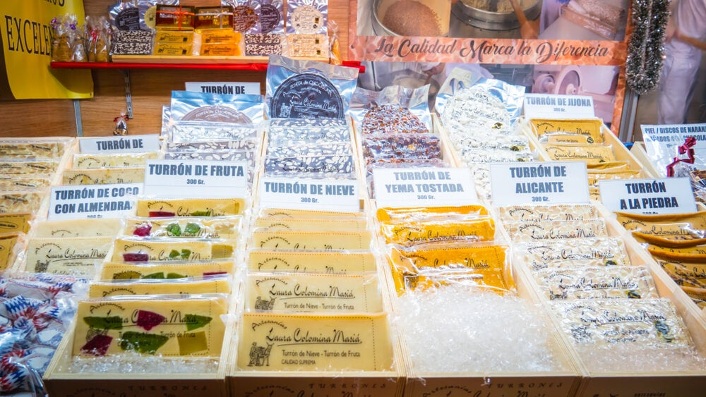 Turrones de jijona y alicante en feria de navidad en Valencia