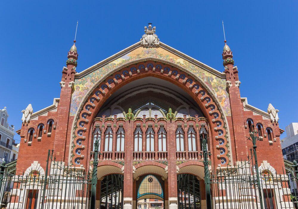 Mercado de Colón en Valencia emblema el modernismo valenciano de principios del siglo XX