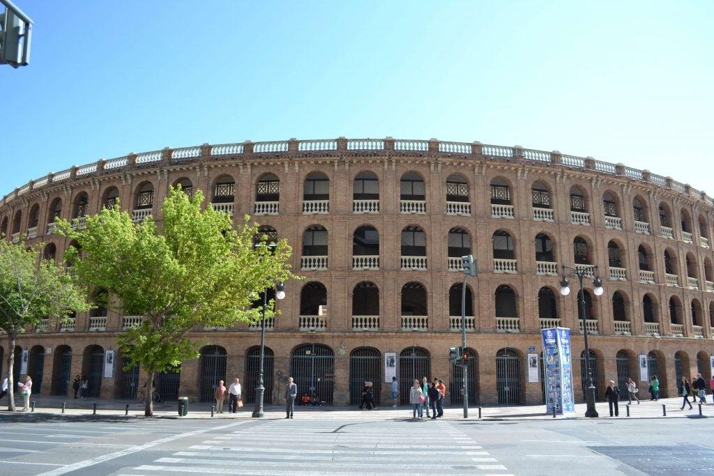 Vista frontal de la Plaza de Toros de Valencia