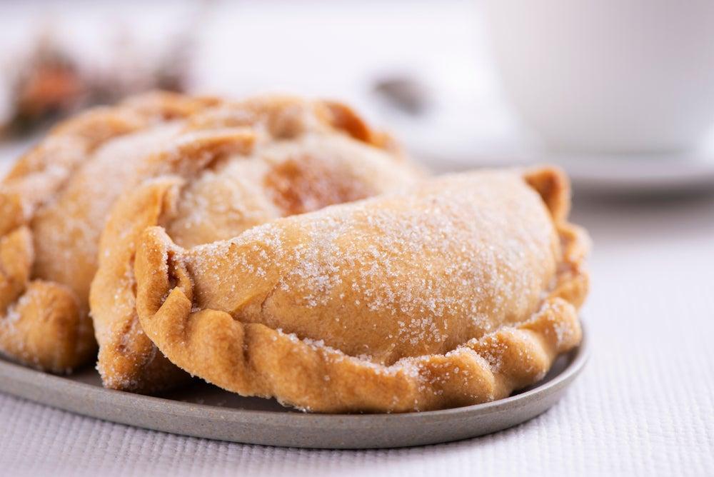 Pastissets, un dulce tradicional de la Comunitat Valenciana. Son unas empanadillas dulces rellenas de cabello de ángel o pasta de calabaza o boniato.