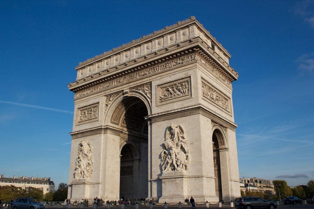 Arco de Triunfo y Tumba del Soldado Desconocido en París