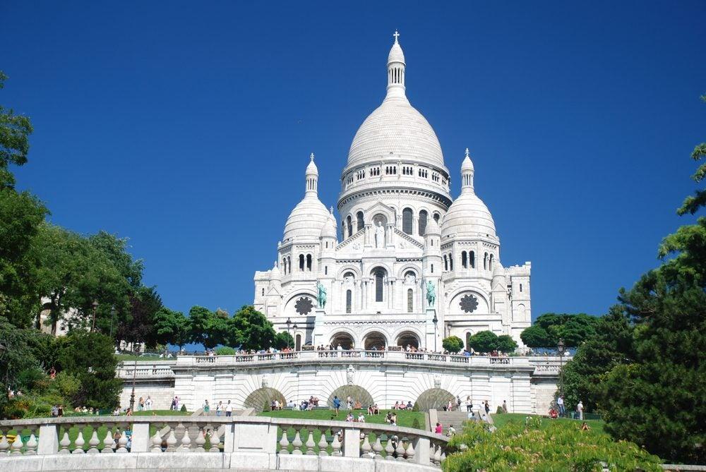 Basílica del Sagrado Corazón o Sacré Coeur de París en el barrio de Montmartre