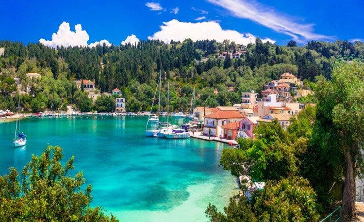 Vistas a la playa de la isla de Paxos, en las islas griegas
