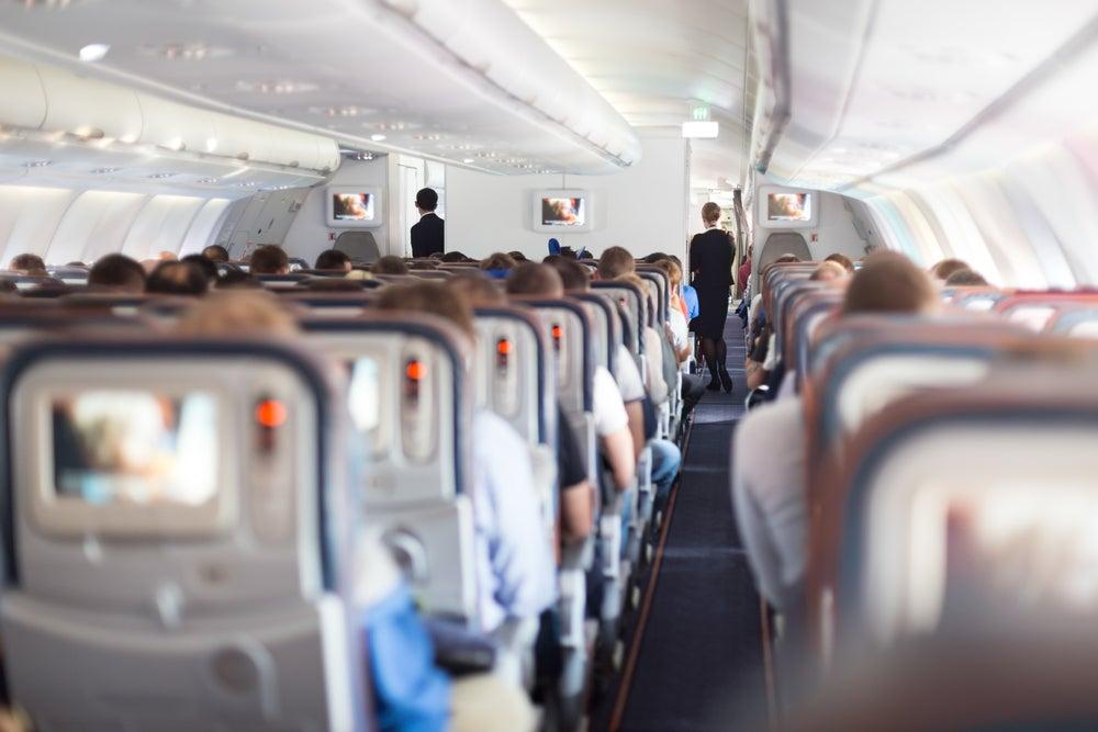 interior avion pasajeros