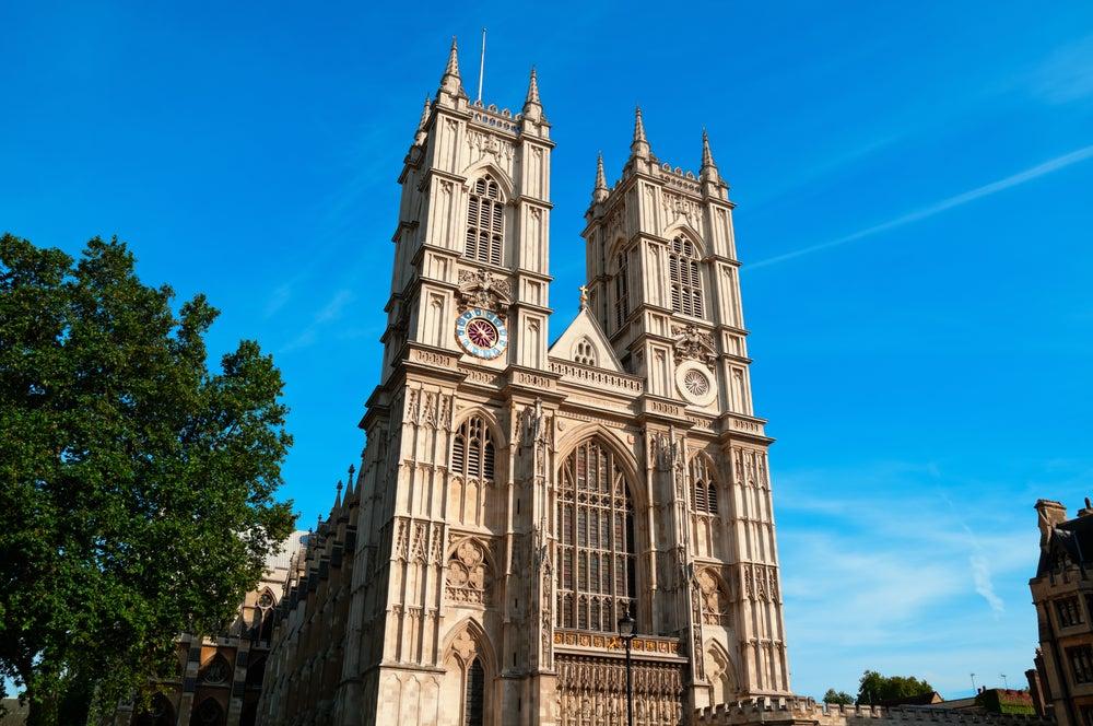 Fachada principal de la Abadía de Westminster, la principal iglesia de Londres.