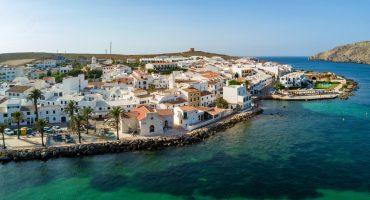 ¿Qué ver en Menorca? Playas y pueblos que no te puedes perder