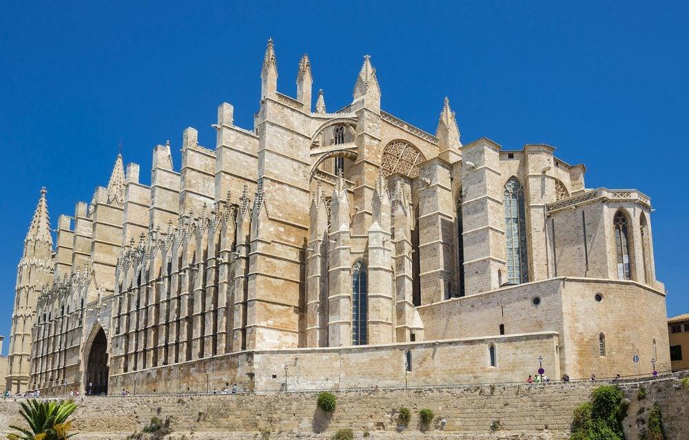 Fachada lateral de la Catedral de Palma de Mallorca, de estilo gótico catalán