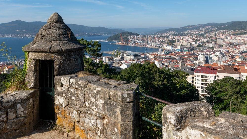 Vistas sobre Vigo desde las murallas del Monte de O Castro